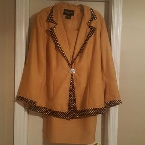 Ladies 2pc Skirt Suit Peeress Collection